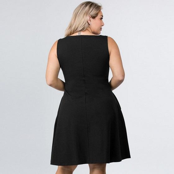 Black Sleeveless Silhouette Dress