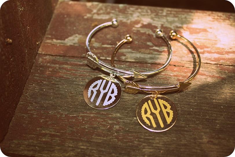 Arrow Bracelet with Charm (Gold & Silver)